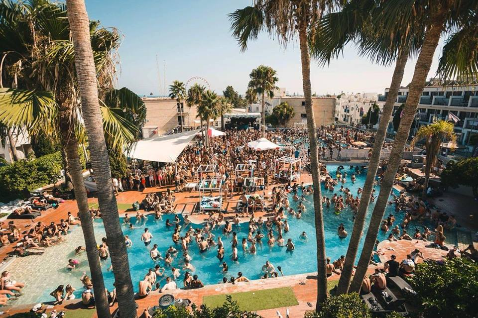 Napa-Rocks-Pool-Party-from-above