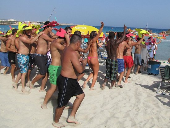 a-nissi-beach-party